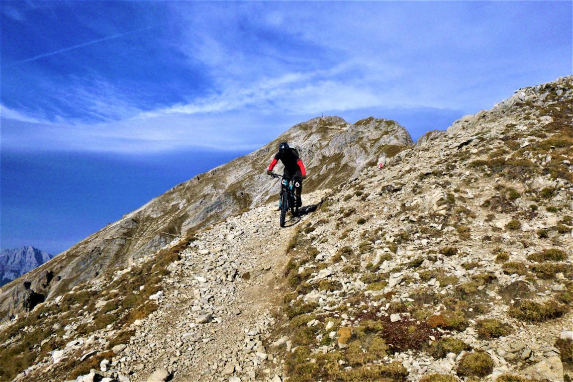 Trail mit 100 Kehren S2+S3-
